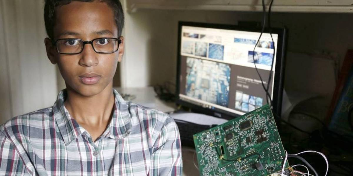Niño es arrestado en EE.UU. por llevar reloj 'parecido' a una bomba a la escuela
