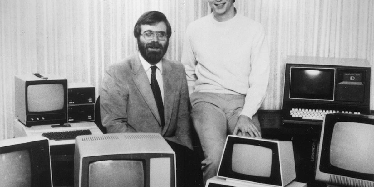 Bill Gates y Paul Allen recrean foto de los inicios de Microsoft