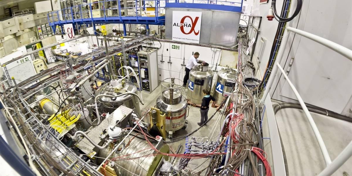 Científicos investigan si la antimateria se cae hacia arriba