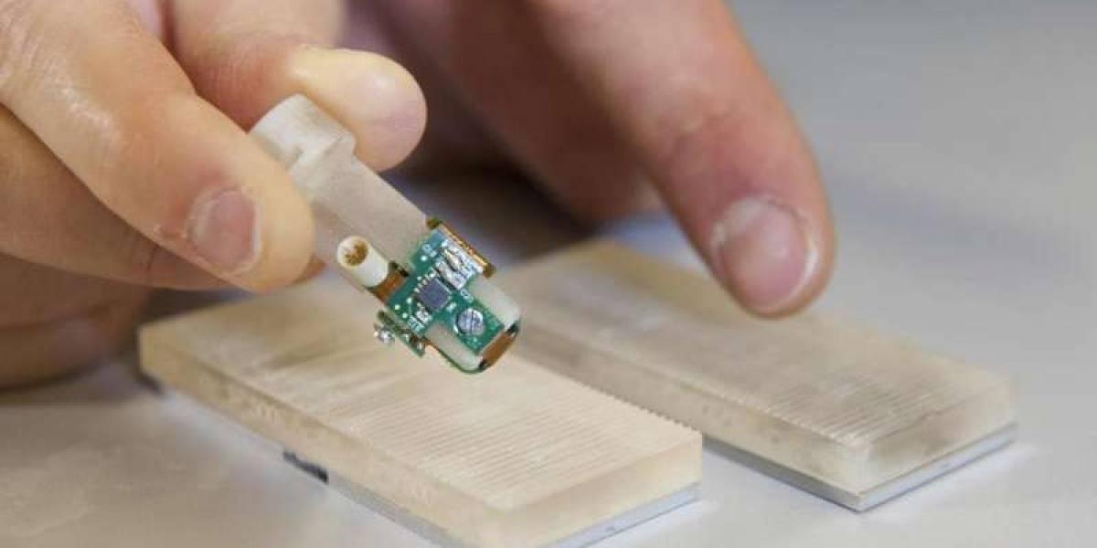 Investigadores desarrollan dedo biónico con sentido del tacto