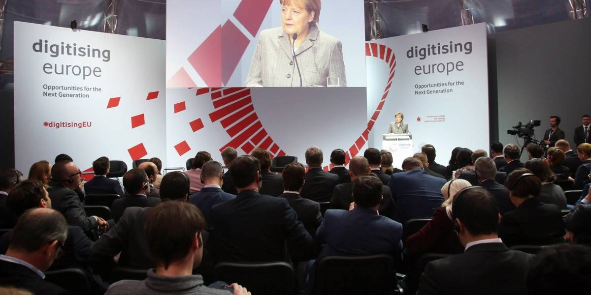 Angela Merkel está a favor de una Internet no neutral