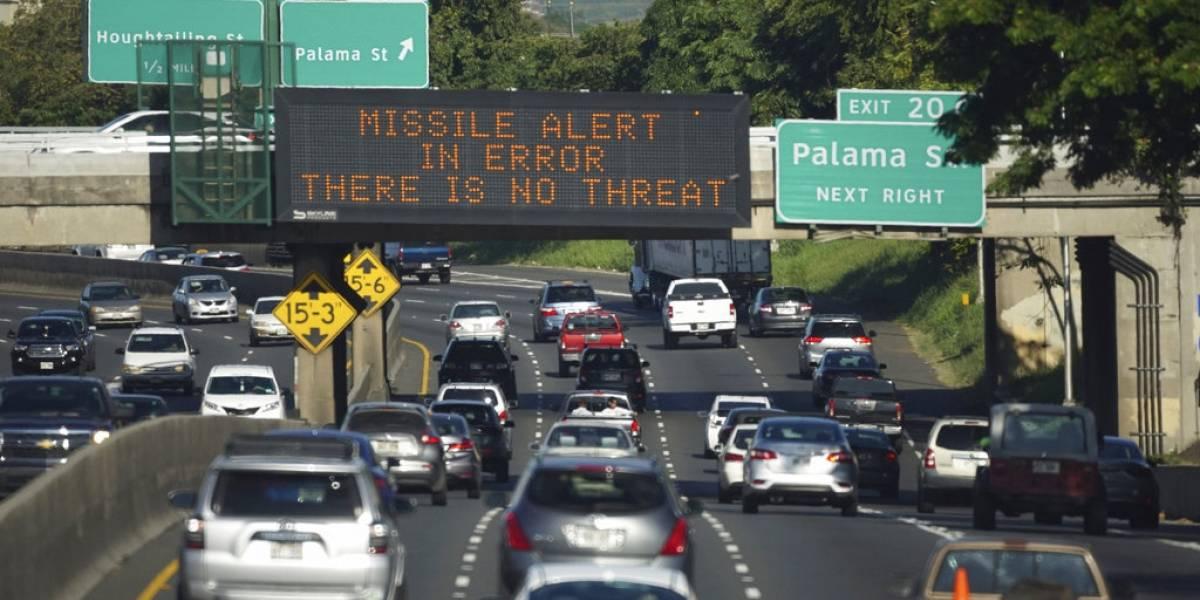Otro fail más en Hawaii: Gobernador no desmintió alerta de misil nuclear porque olvidó contraseña de Twitter