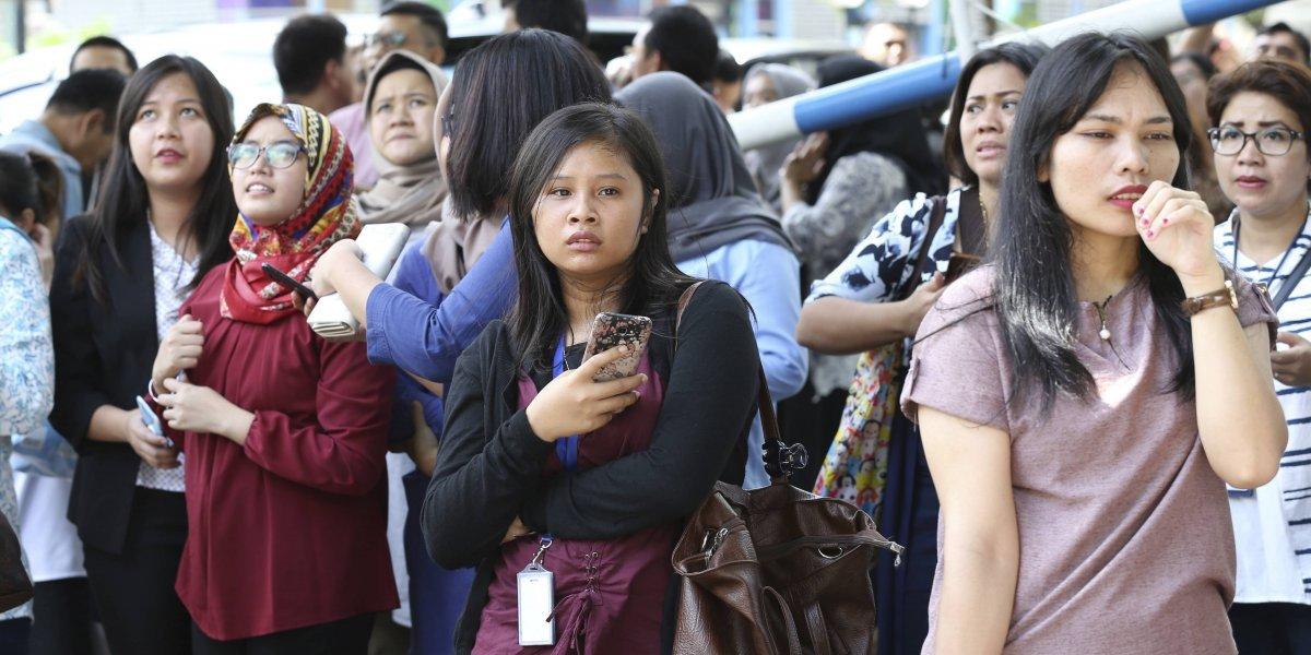 Varios estudiantes heridos tras sismo en Indonesia