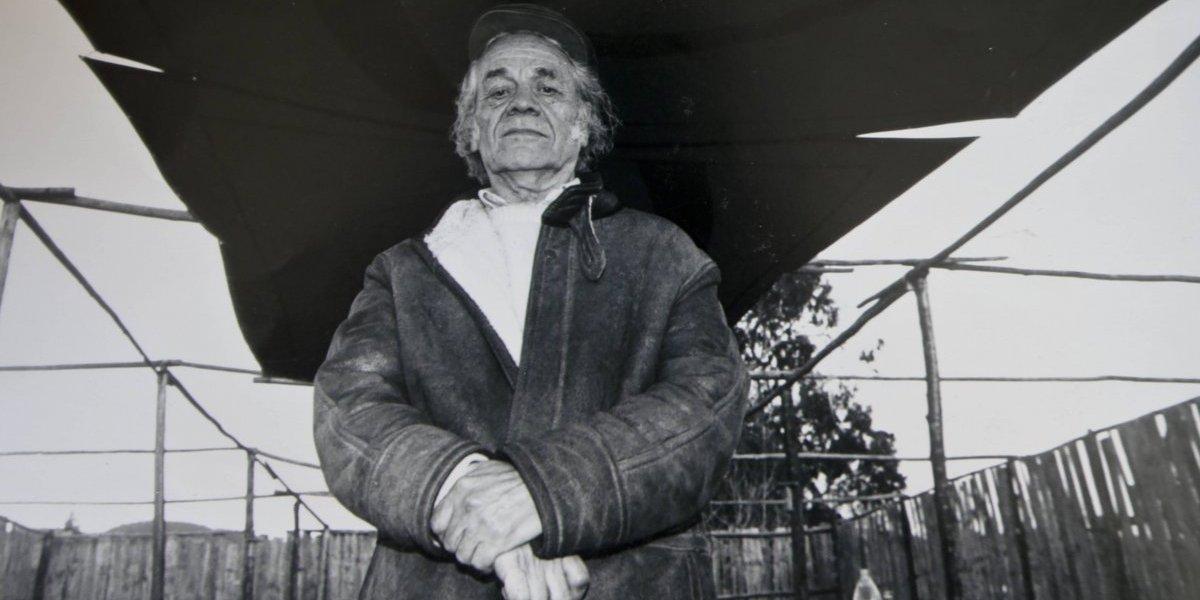 Hijos mayores de Nicanor Parra piden anular testamento del anti-poeta