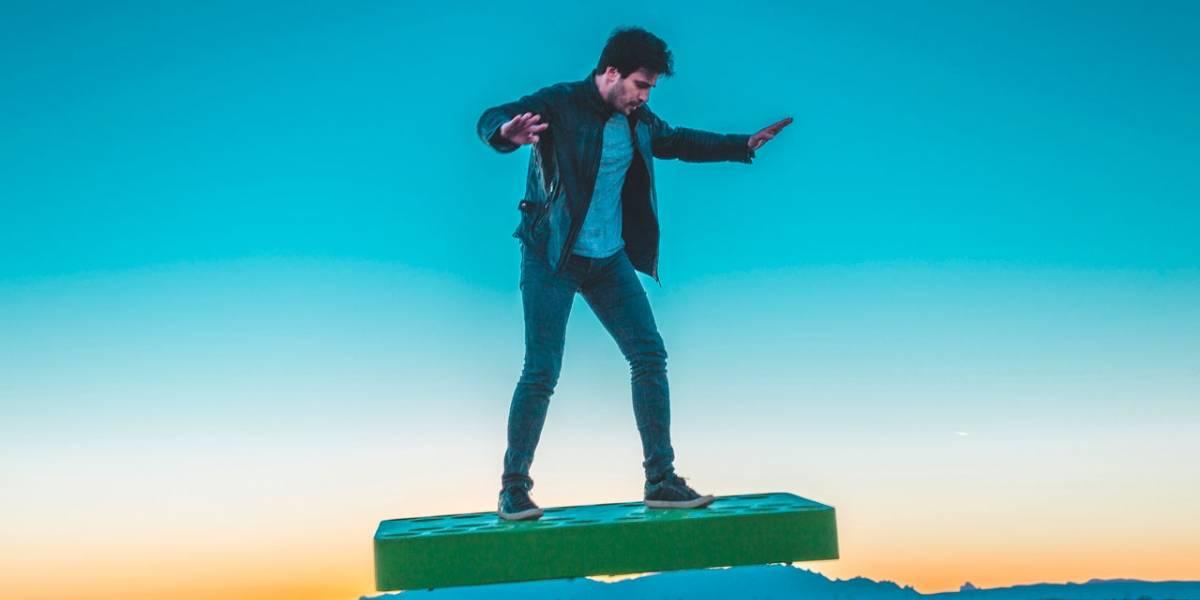 ArcaBoard funciona igual que la patineta voladora de Marty McFly
