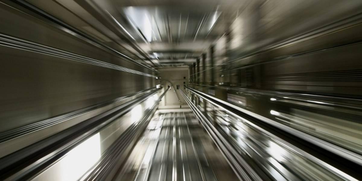 Mitsubishi Electric quiere que vomites en el ascensor más rápido del mundo