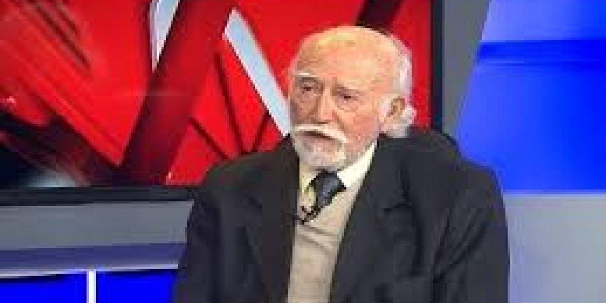 Falleció coronel (r) Ernesto Galaz, quien fue compañero de celda del padre de Bachelet