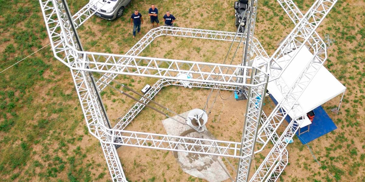 Big Delta, la mega impresora 3D que construye casas de arcilla