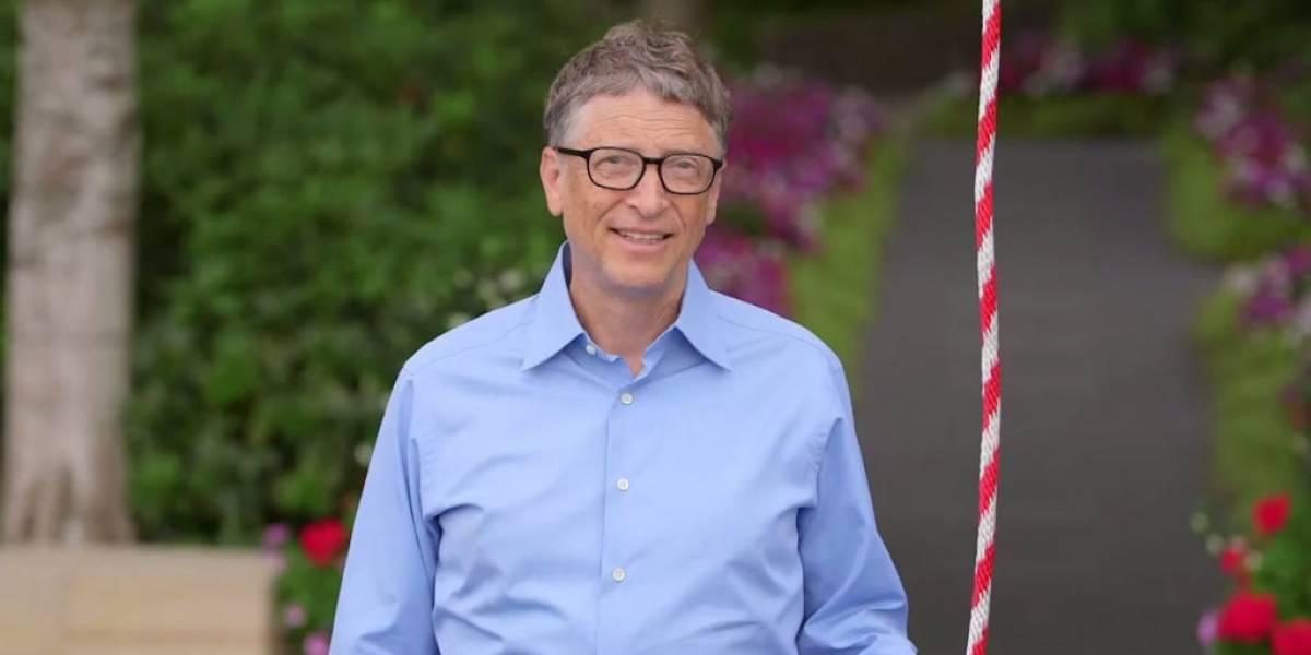 Bill Gates también cumple el desafío de la Cubeta de Agua Helada