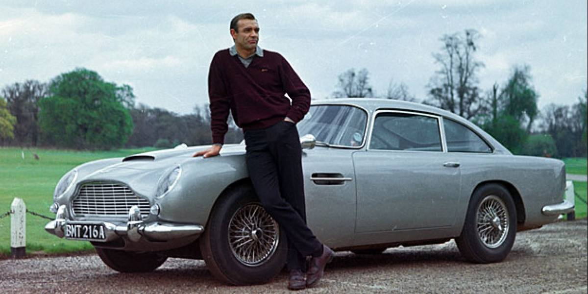 Aston Martin DB5 de James Bond se fue en US$4 millones