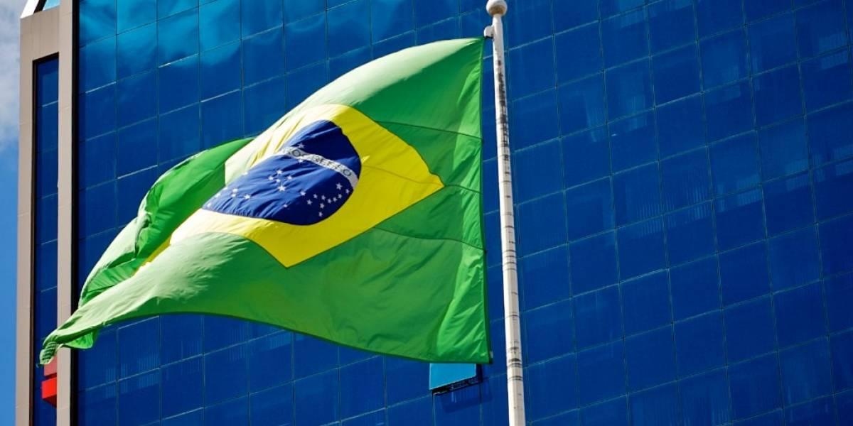 Snowden ofrece ayuda a Brasil y busca posible asilo en el país