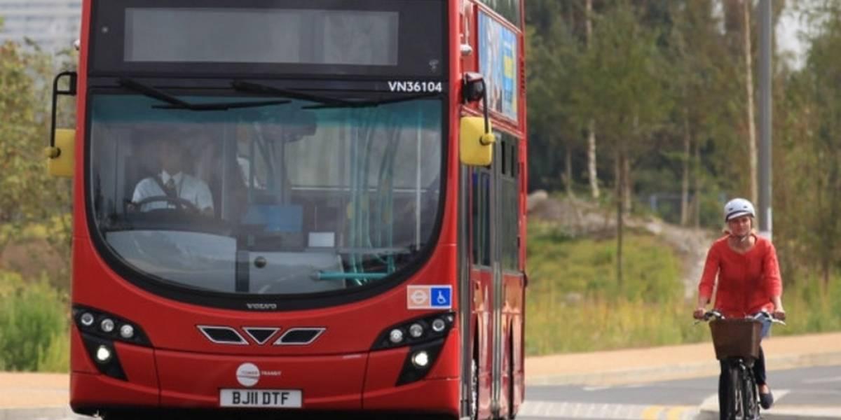Equipan autobuses de Londres con software para reducir accidentes con peatones y ciclistas