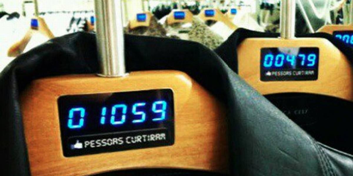 """Cadena brasileña de ropa muestra los """"Me gusta"""" de sus prendas en los colgadores de las tiendas"""
