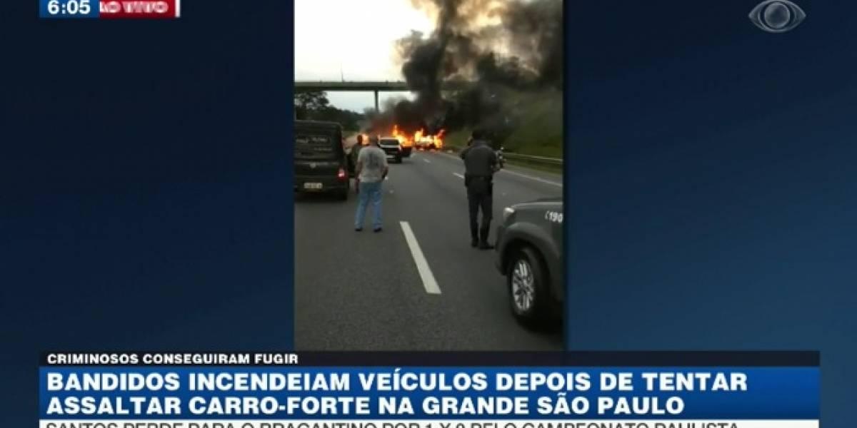 Com fuzis e dinamite, quadrilha ataca carro-forte em São Paulo