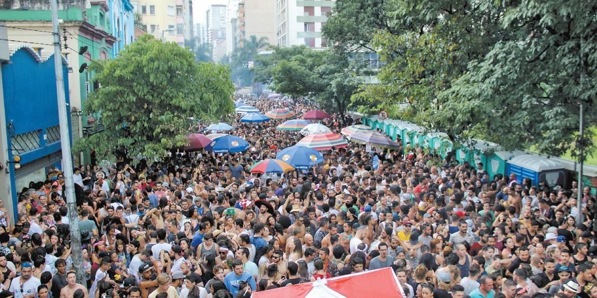 Primeiro dia de pré-carnaval em São Paulo reúne 2 milhões de foliões