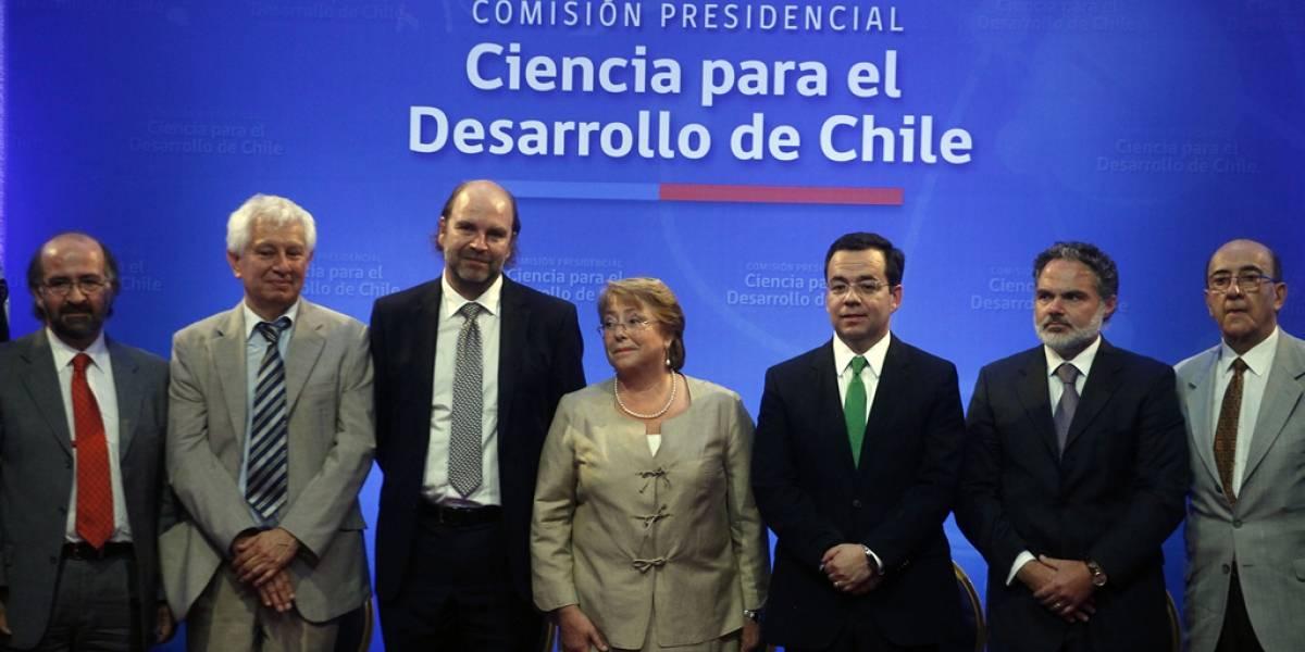 """""""Sueño para el futuro de Chile"""": El informe para """"fortalecer"""" la ciencia y tecnología en la era Bachelet"""