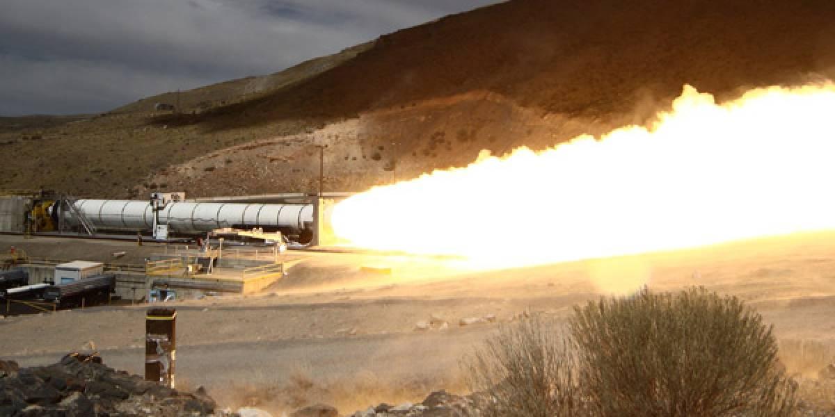 NASA prueba motor de combustible sólido (Video)