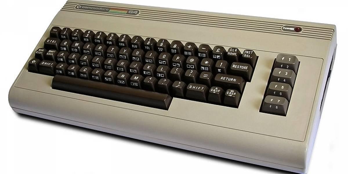 Una PC con el aspecto de la vieja Commodore 64 para los nostálgicos