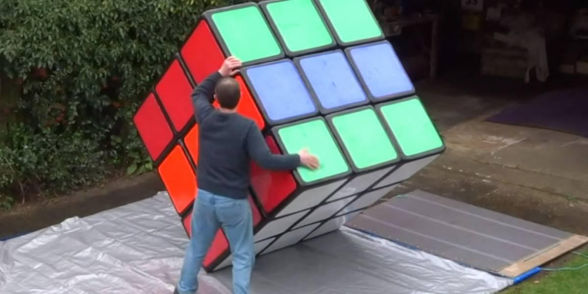 Así se juega con el cubo Rubik más grande del mundo
