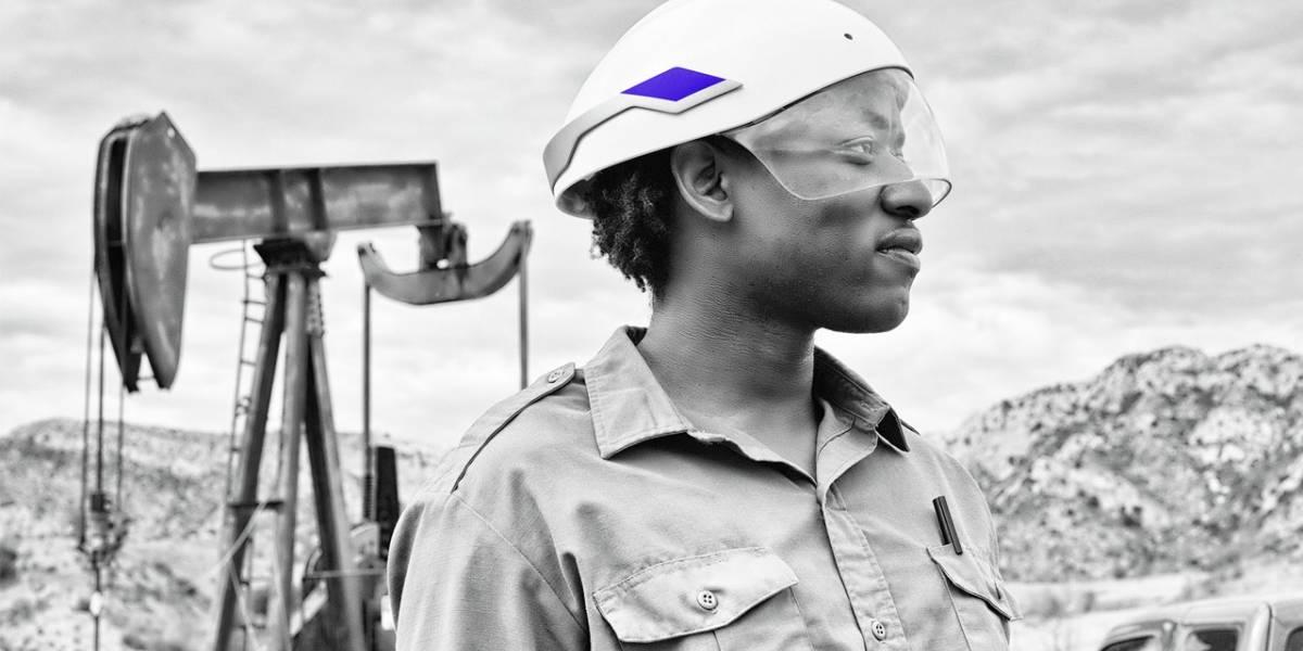 Desarrollan un casco de seguridad con realidad aumentada para trabajadores