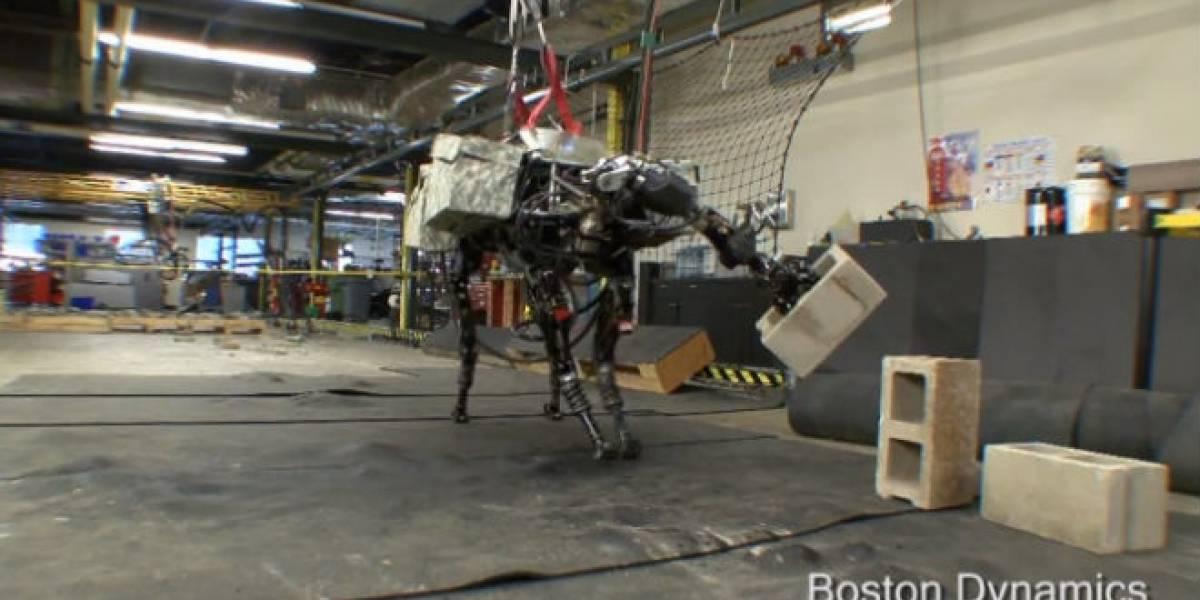 Robot BigDog aprende a lanzar ladrillos con nuevo brazo (Video)