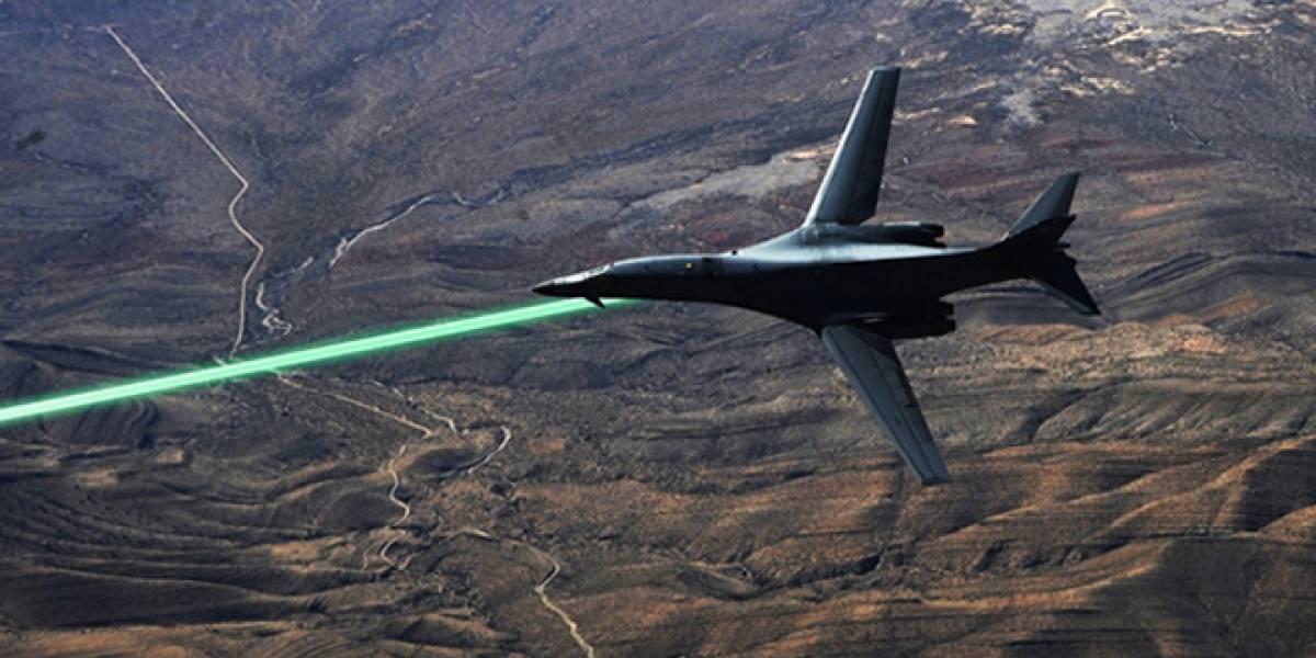 En serio: Ejército de EE.UU. pondrá armas láser en aviones de combate y torres de defensa