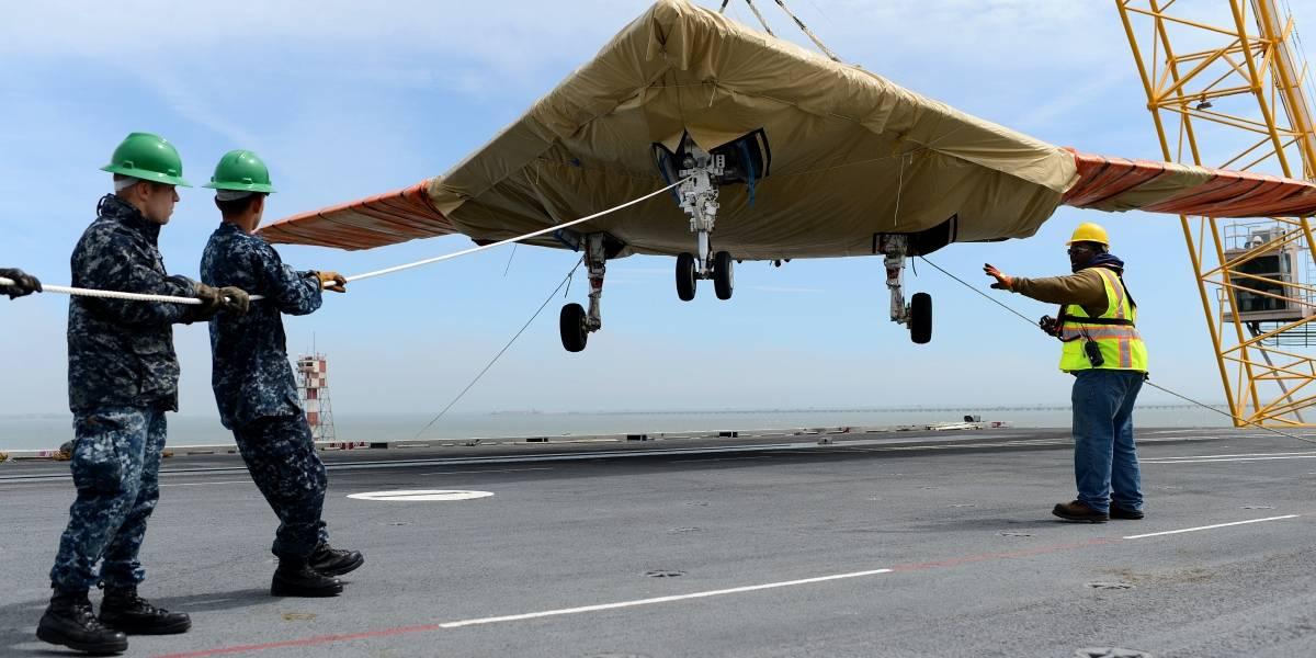 Estados Unidos lanza por primera vez un avión no tripulado desde un portaviones