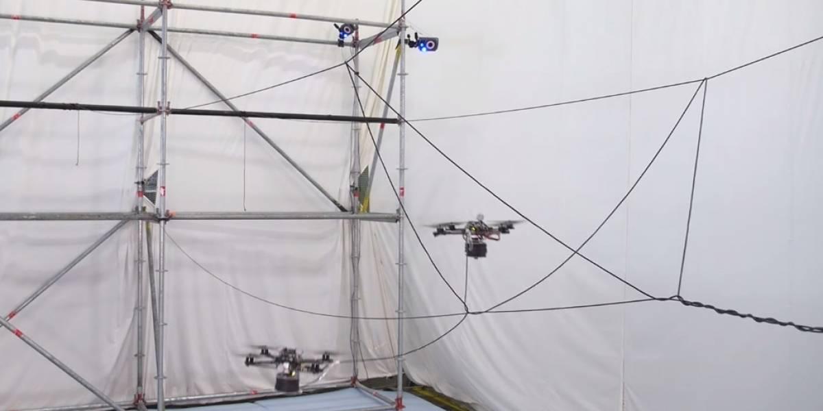 Construyen un puente en suspensión usando drones [Video]