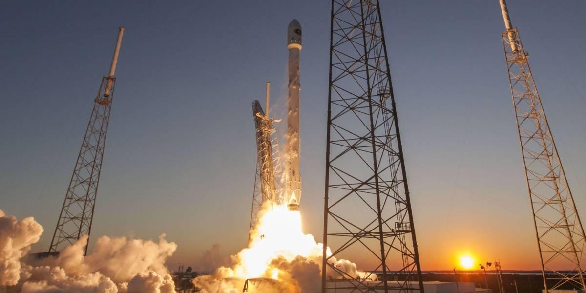 SpaceX logra aterrizar con éxito el cohete Falcon 9