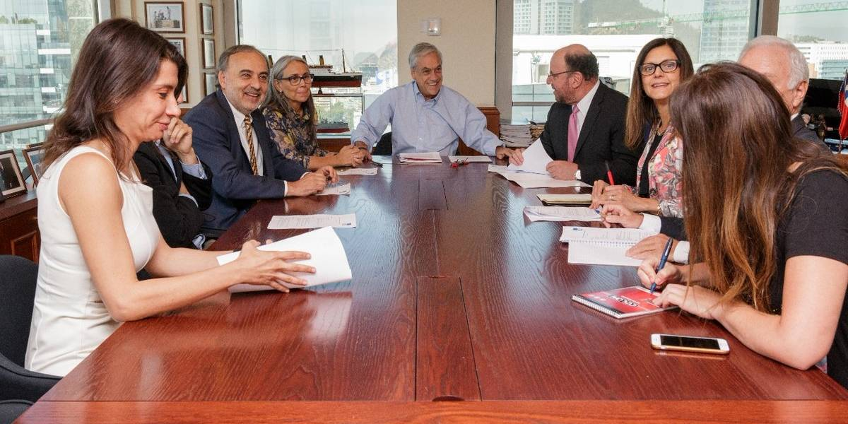 Sebastián Piñera anuncia a su nuevo gabinete
