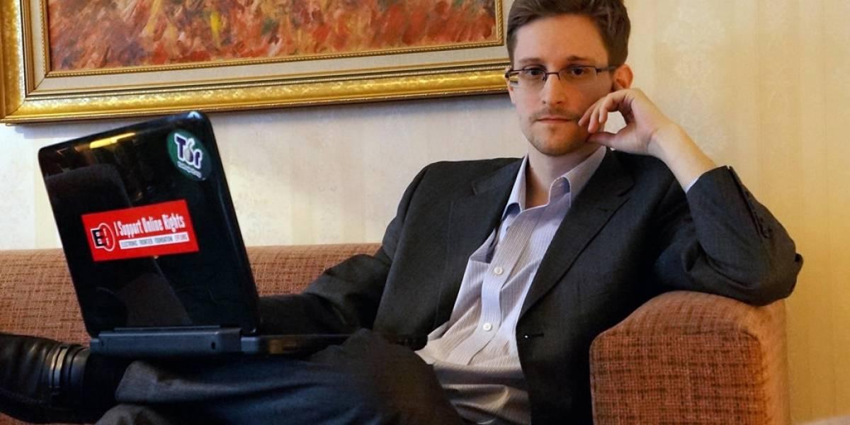 Edward Snowden cree que extraterrestres tratarían de comunicarse sin darnos cuenta
