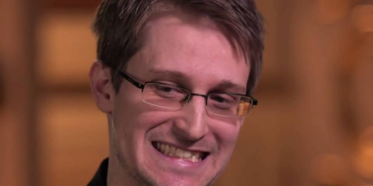 John Oliver realizó la mejor entrevista a Edward Snowden