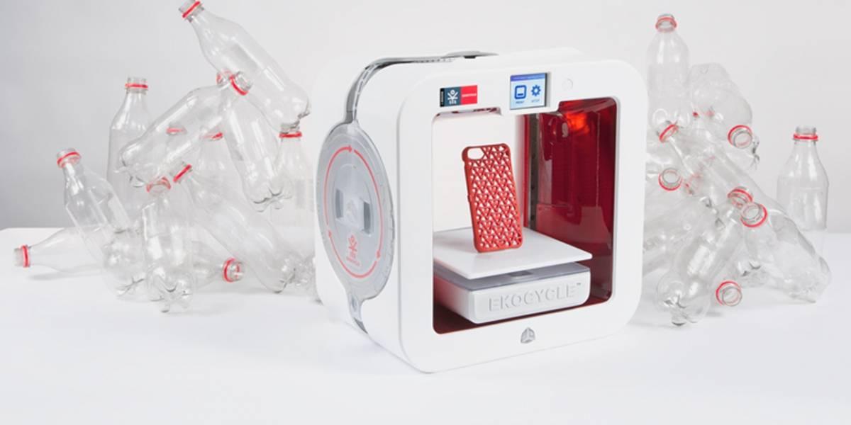 Una impresora 3D que utiliza botellas plásticas como materia prima