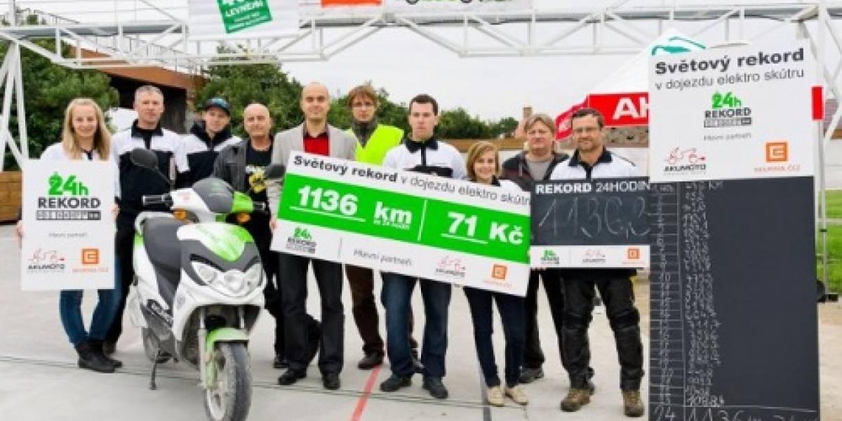Moto eléctrica bate récord y logra recorrer 1.130 Km en 24 horas