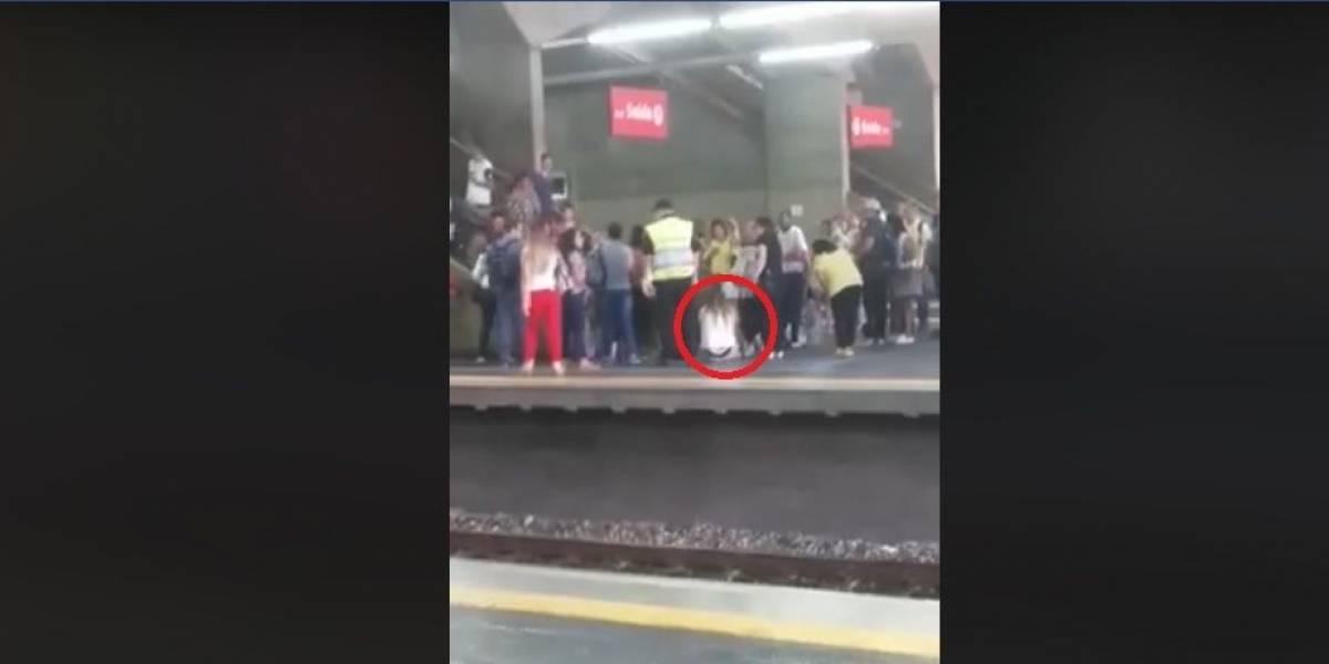 Vestido enroscado em escada causa tumulto em estação de trem de São Paulo
