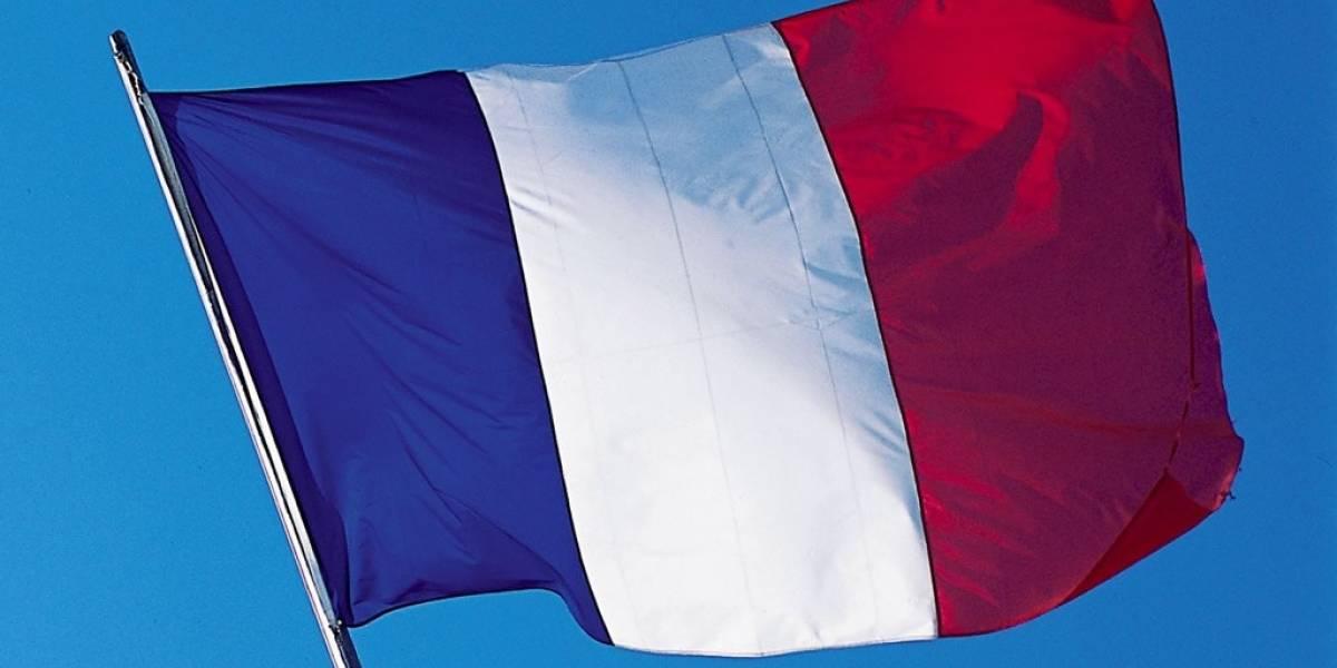 Facebook muestra apoyo a Francia con perfiles temporales