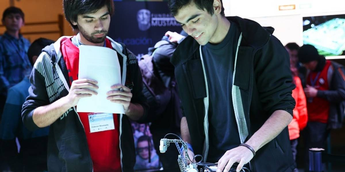 Fundación Mustakis abre postulaciones para taller de robótica educativa en Chile