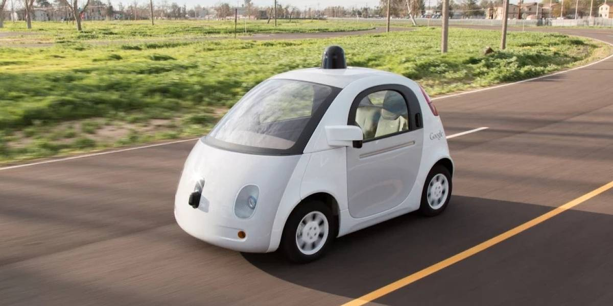 Video: Auto de Google que se maneja solo supera la prueba
