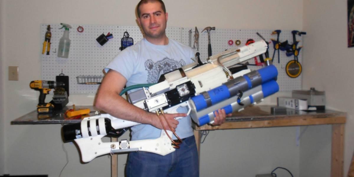 Este cañón de riel de mano impreso en 3D puede disparar proyectiles a 900 km/h