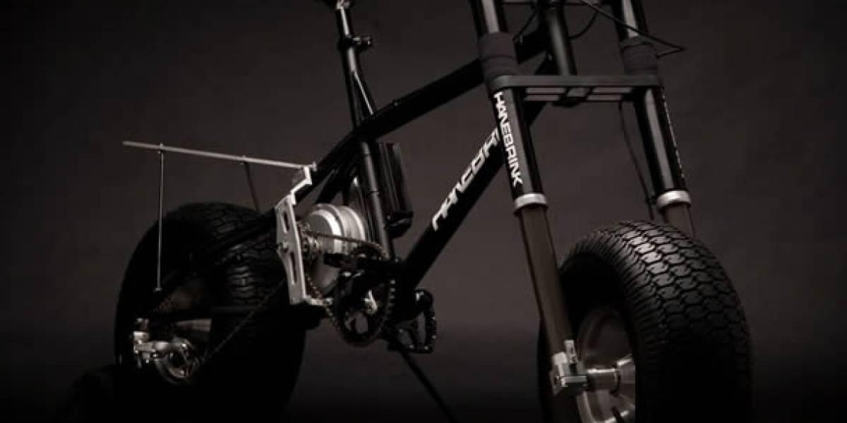 Si Batman anduviera en bicicleta, seguramente sería así