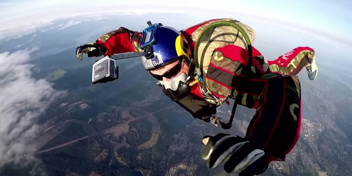 Hombre se lanzará sin paracaídas desde más de 7,500 metros de altura