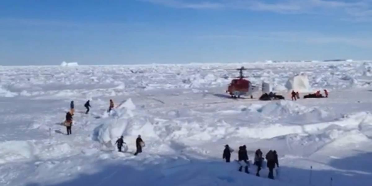 Helicóptero rescata a investigadores varados en la Antártica