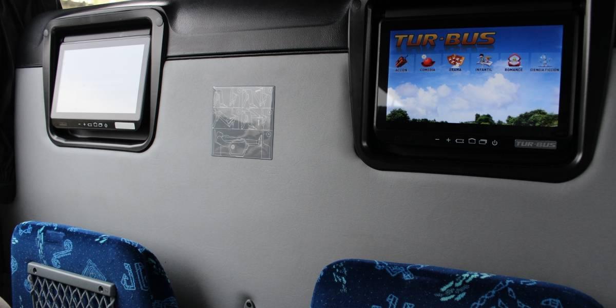 Tur Bus lanza servicio de entretención con pantallas táctiles para viajes al sur