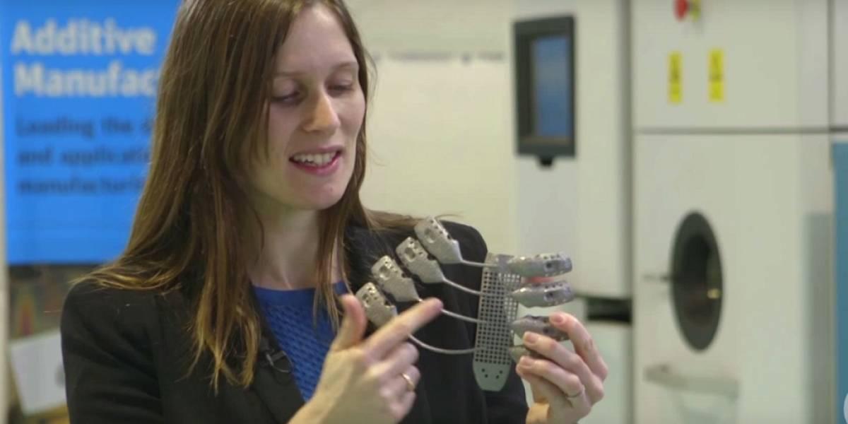 Doctores desarrollan una caja torácica de titanio en una impresora 3D