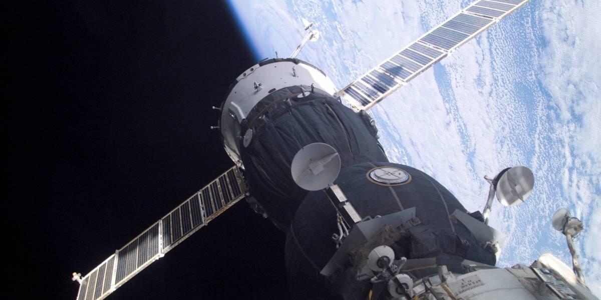 Basura espacial obliga a la tripulación de la ISS a refugiarse en las Soyuz
