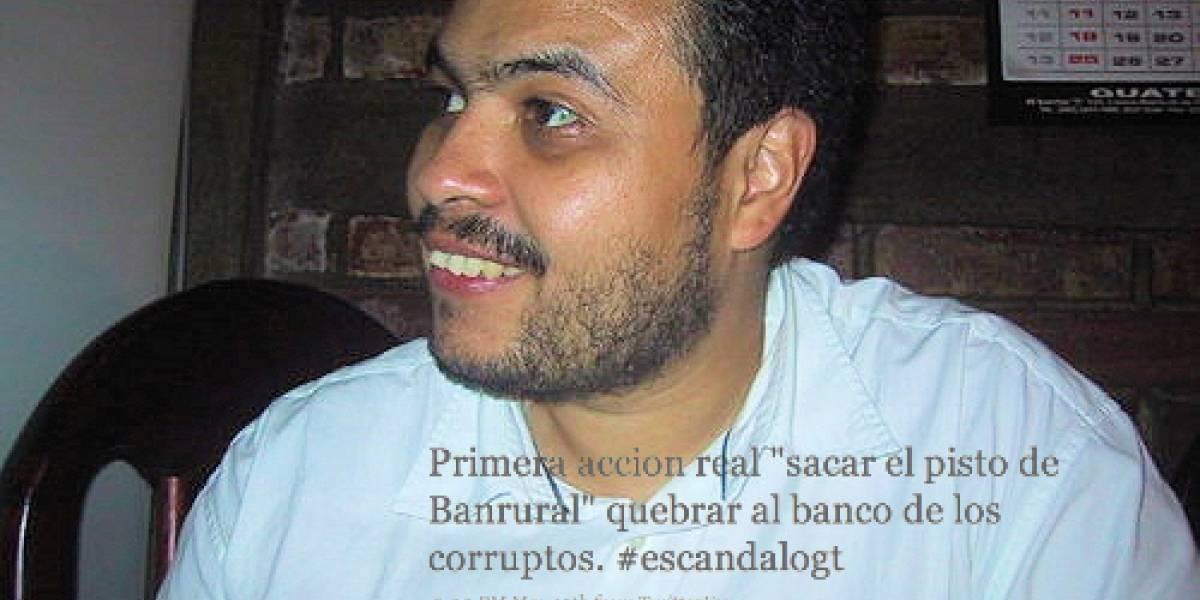 Twittero guatemalteco es arrestado tras llamado a retirar fondos de un banco