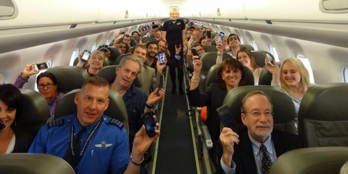 Delta Airlines y JetBlue ya permiten gadgets electrónicos encendidos al despegar y aterrizar