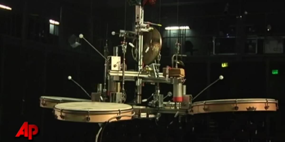 KarmatiK Machine Orchestra: orquesta de robots de chatarra
