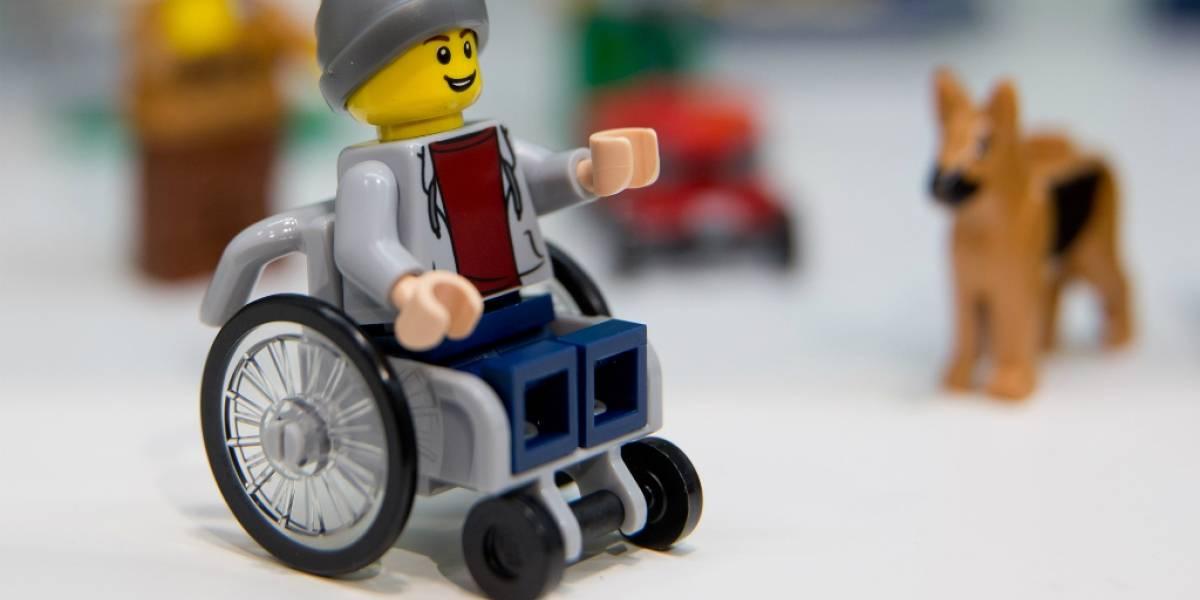 Lego anuncia su primera figura en silla de ruedas