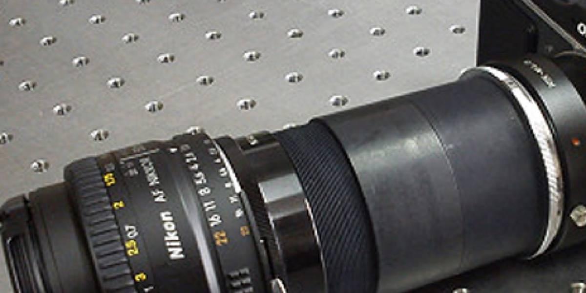 Desarrollan lente que permite a cámaras comunes generar imágenes en 3D